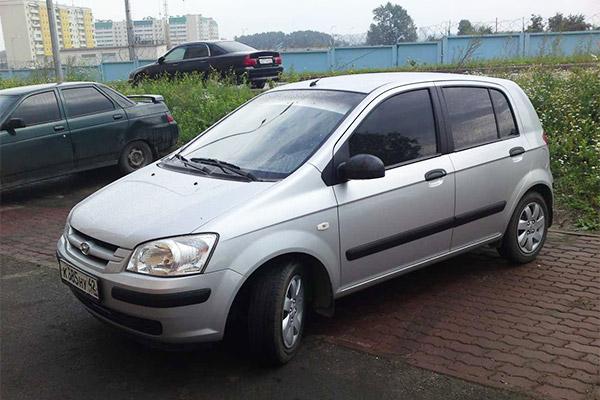 На фото Hyundai Getz 2002-2005
