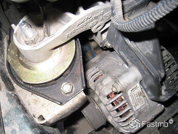 замена левой опоры двигателя фиат альбия