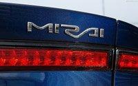 Необычный седан, Toyota Mirai 2016