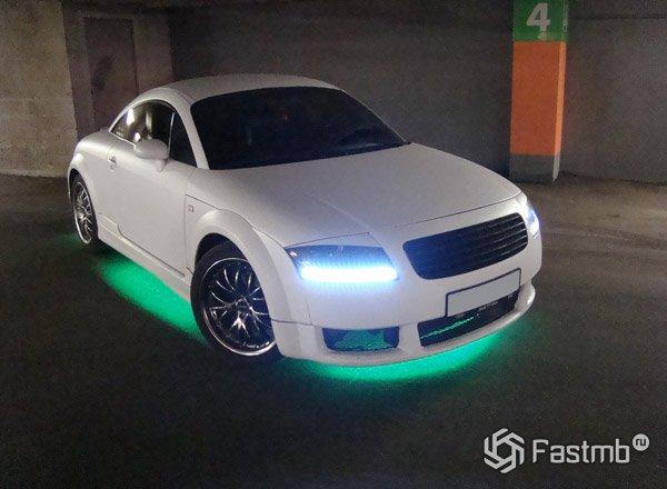 Неоновая подсветка днища автомобиля