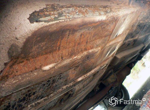Удаление ржавчины с днища автомобиля своими руками