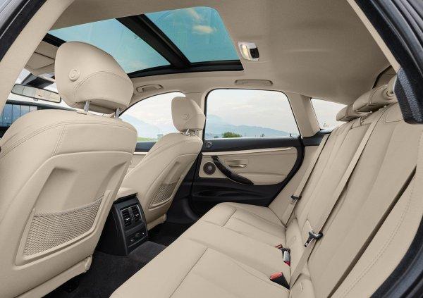 Задние сиденья автомобиля