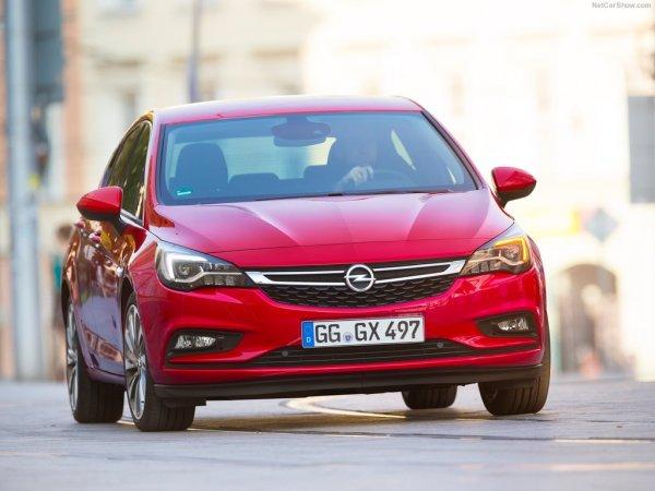 Opel Astra 2016, вид спереди