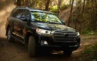 ����������� ����������� Toyota Land Cruiser 2017