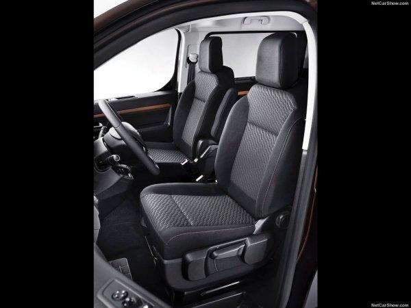 Toyota ProAce Verso 2017, передние сидения