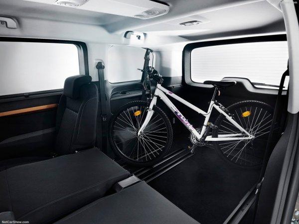 Toyota ProAce Verso 2017, багажное отделение