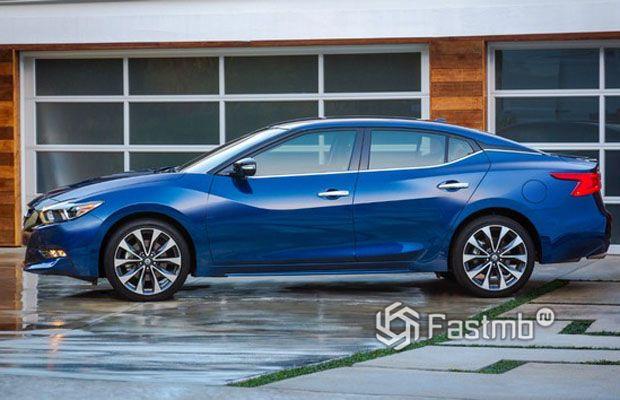 Nissan Teana 2018, вид сбоку