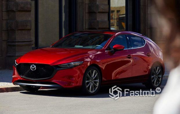 Mazda 3 2019 хэтчбек, вид спереди