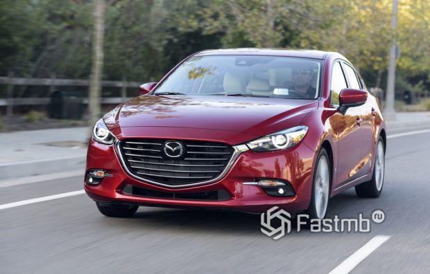 Mazda 3 2016 хэтчбек, вид спереди