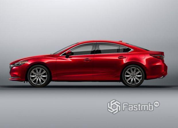 Mazda 6 2018 седан, вид сбоку