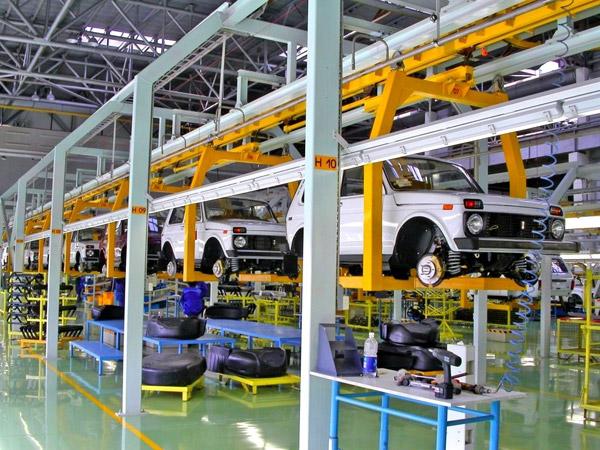 АвтоВАЗ на месяц остановит производство Lada 4x4