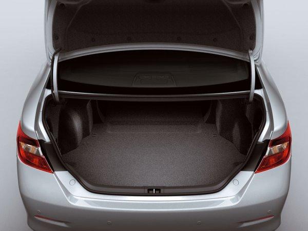 Седьмое поколение Camry, багажник
