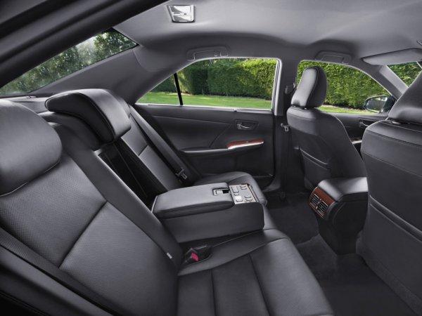 Toyota Camry 7, задние сиденья