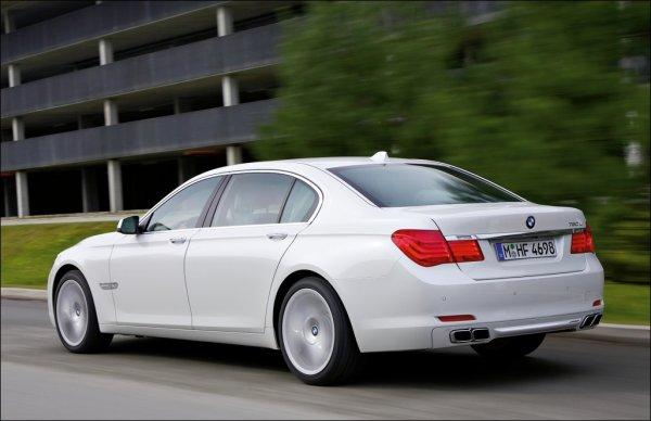 BMW 760i V12 Biturbo