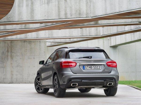 Внешний обзор машины Mercedes - GLA-Class 2014