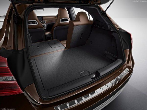 объем багажника 421 л. и 836 л Mercedes GLA