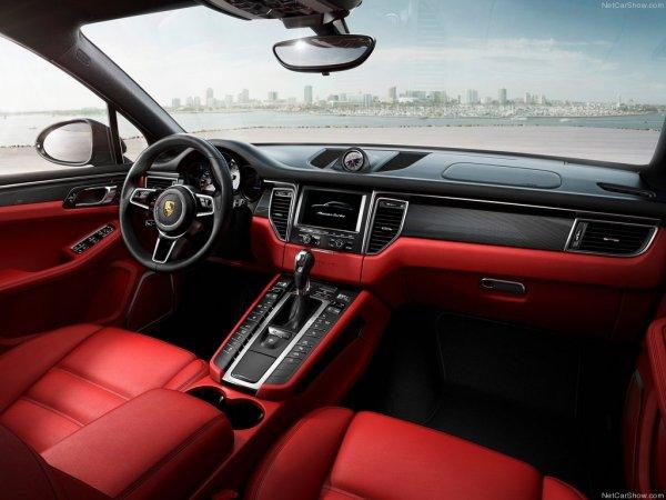 Фотографии салона Porsche Macan S