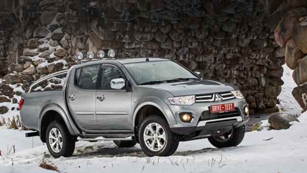 Стоимость и комплектации Mitsubishi L200 2014