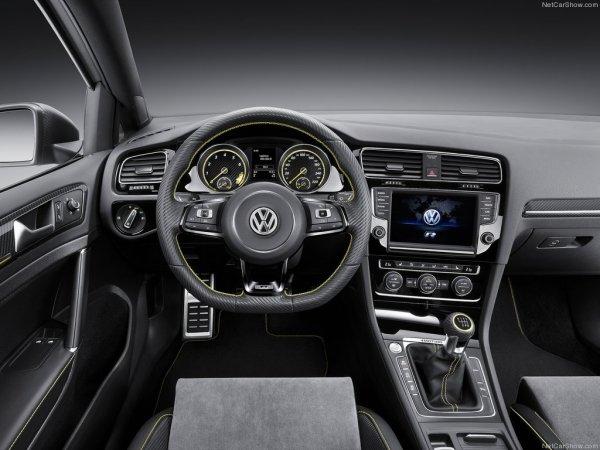 Салон Volkswagen Golf R 400