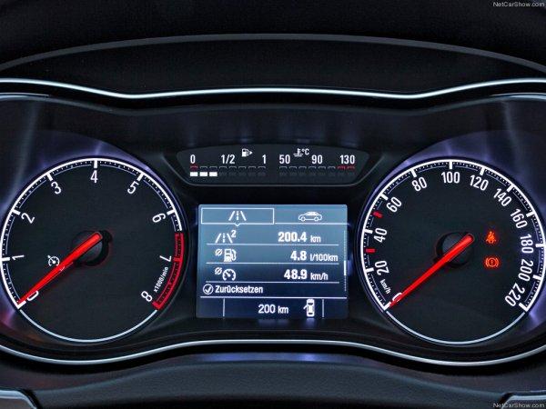 Салон Opel Corsa E 2015 года
