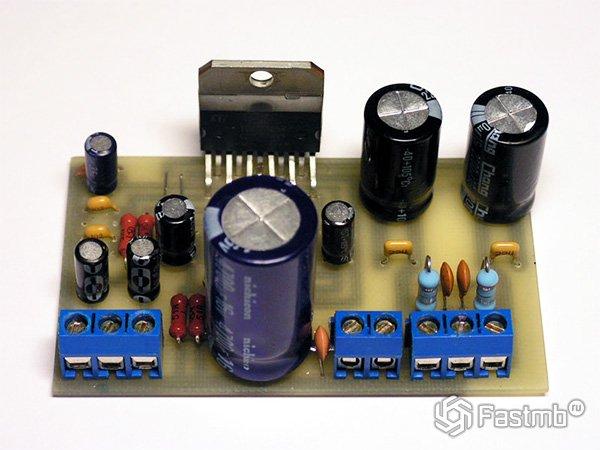 Схема стереофонического усилителя на TDA2005