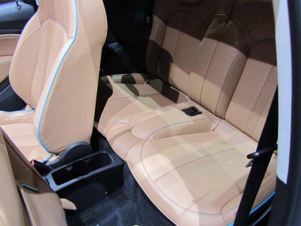 Opel Adam Rocks сиденья сзади