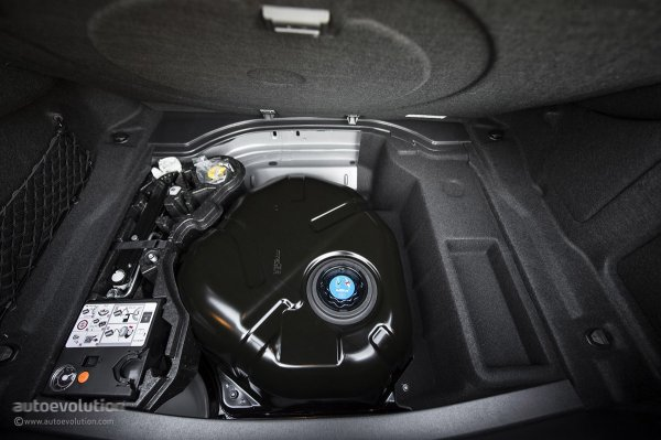 Багажник Mercedes-Benz CLS-Class 2015 475 л