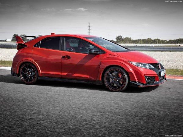Красная Honda Civic Type R вид сбоку