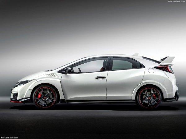 Спортивный Civic Type R белого цвета