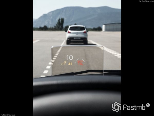 Проекционный дисплей Peugeot 3008 2015
