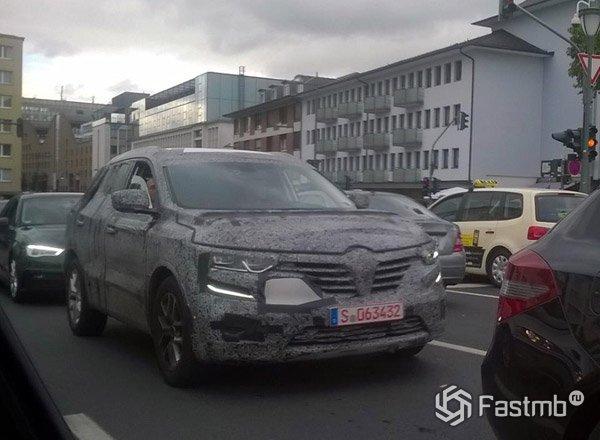 Новый Renault Koleos с номерами Штутгарт