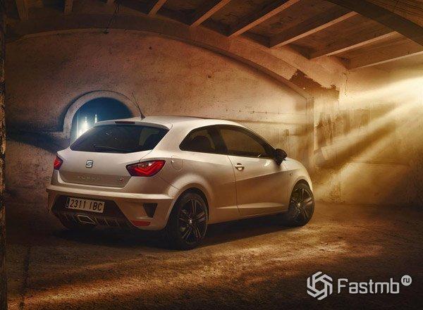 SEAT представил обновленную модель Ibiza Cupra