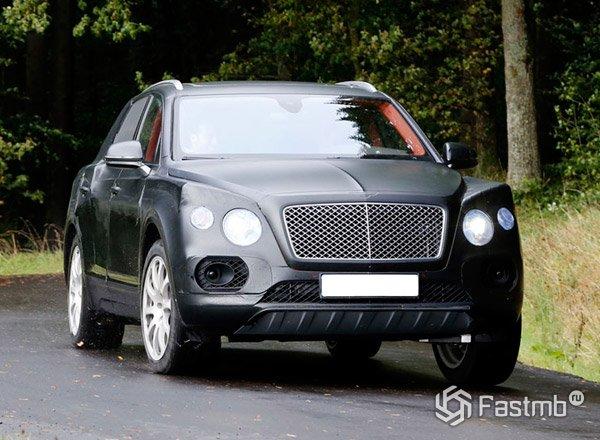 Bentley Bentayga в маскировочном камуфляже