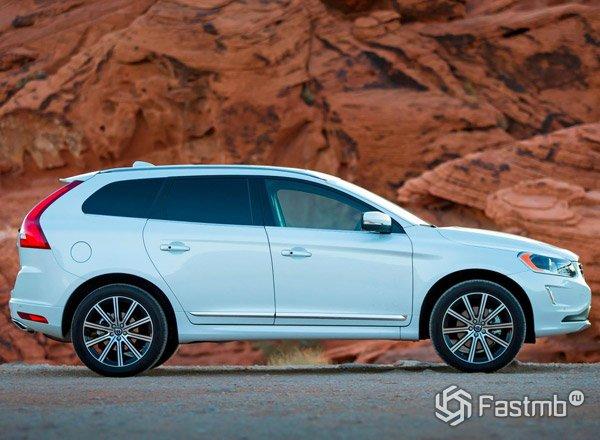 Volvo XC60 вид сбоку