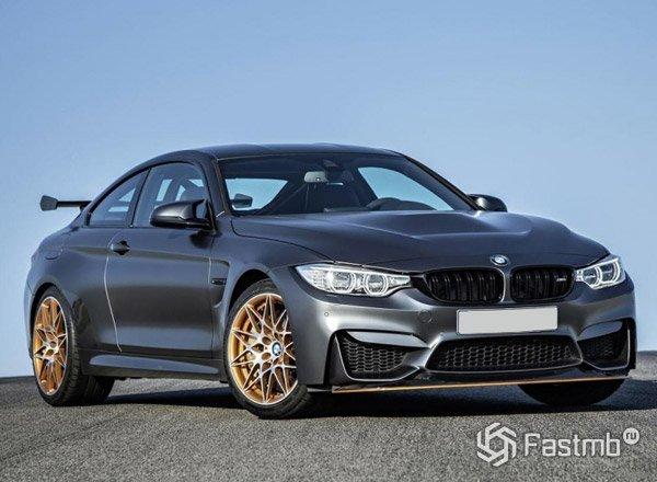 BMW M4 GTS вид спереди