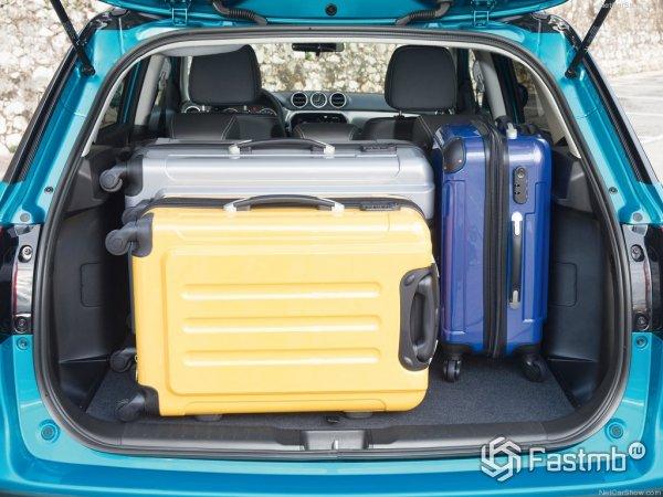 Загруженный багажник Витары