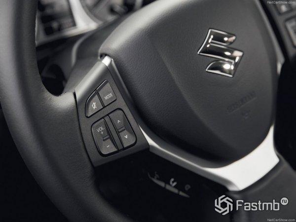 Кнопки громкости на руле