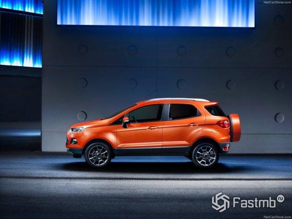 Вид Форд Экоспорт в профиль