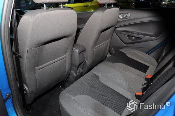 Заднее сиденье Ford Fiesta 6