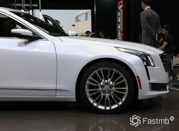 Cadillac CT6, вид сбоку