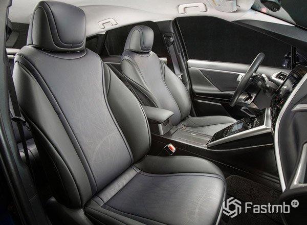 Toyota Mirai, передние сиденья