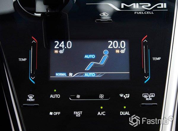 Toyota Mirai, панель управления температурой