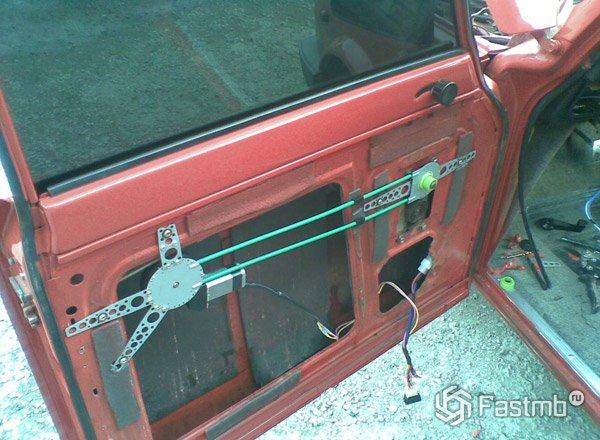 Установка электро стеклоподъемников