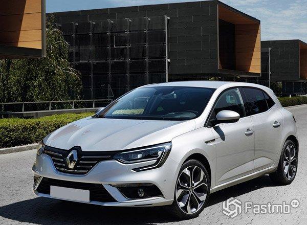 Renault Megane 2016, вид спереди