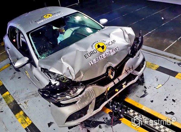Renault Megane 2016, крэш тест