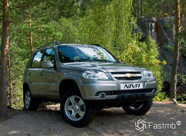 Chevrolet Niva, вид спереди