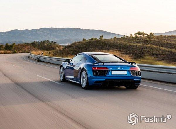 Audi R8 2017, вид сзади