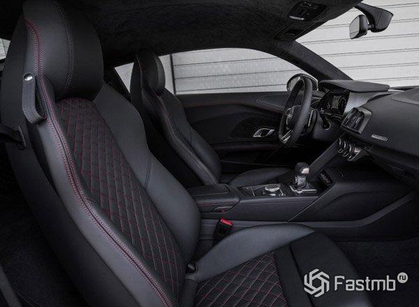 Передняя панель Audi R8 2017
