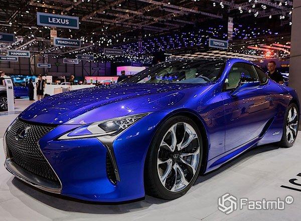 Новый Lexus LC500h купе