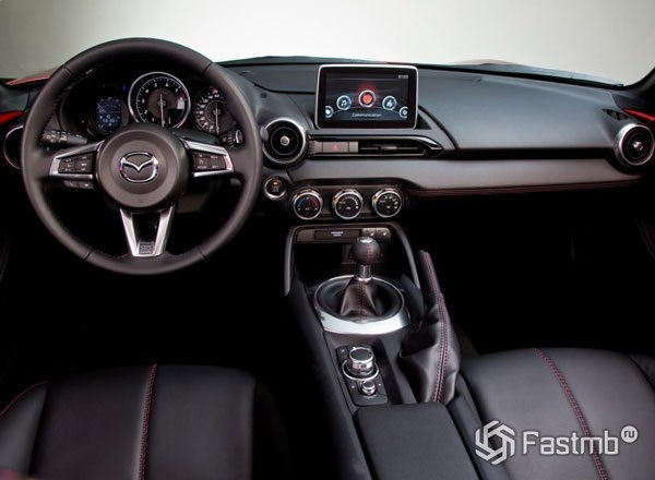 Интерьер Mazda MX-5 Miata